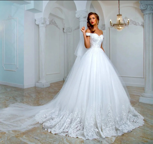 Vestido De Noiva Princesa+ AcessóriosBrincos Coroa