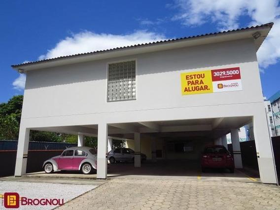 Kitinet Com Garagem Em Barreiros - 9650