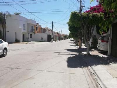 Bonita Casa En Venta Excelente Al Norte 10 Min Plaza Mayor