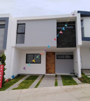 Hermosa Residencia En Venta En Capital Norte En Guadalajara