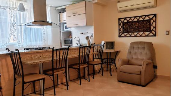 Apartamento En Venta El Viñedo Valencia Cod. 21-6602 Kfp