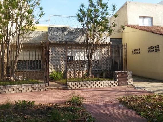 Venta Caseros Casa 3 Amb C/galpon Entrada Camion