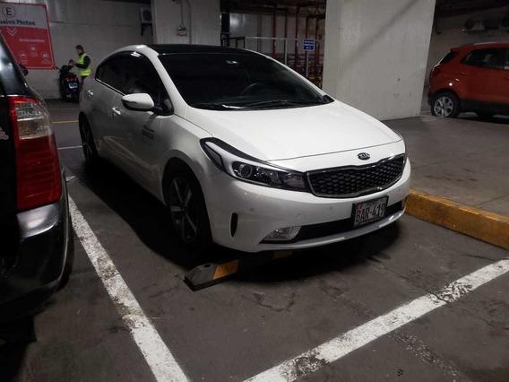 Auto Kia Cerato 2018 Semi Nuevo Blanco Cambio Negociable