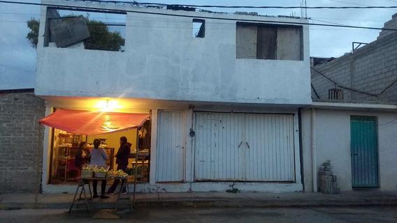 Casa Dividida En 3 Departamentos Con Local