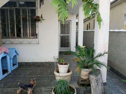 Casa Com 4 Quartos, 3 Banheiros E Piscina