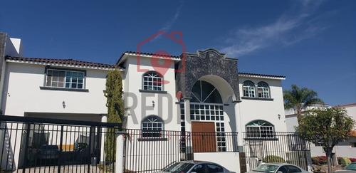 Casa De 4 Habitaciones En Real De Juriquilla