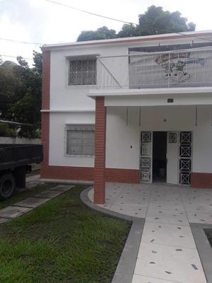 Alquilo Quinta Via El Castaño Urb. El Toro