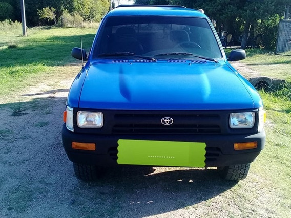 Toyota Hilux Motor 2.4d 4 Puertas Diesel Color Azul