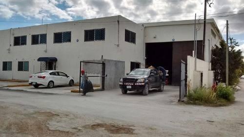 Bodega En Renta 1,000 M2 Mas Oficinas Av Colosio Cancun
