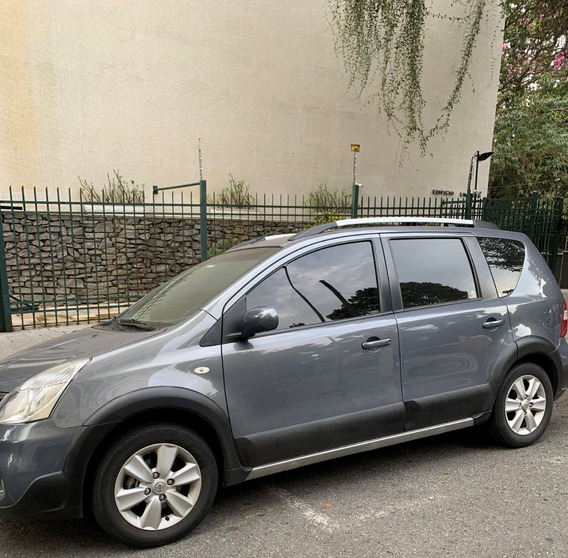 Nissan Livina X-gear 1.8 Aut. Flex Prata