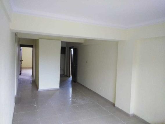 Apartamento 2do Nivel San Isidro