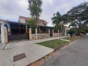 Casa En Venta Trigal Centro Valencia Carabobo 20-5583 Dam