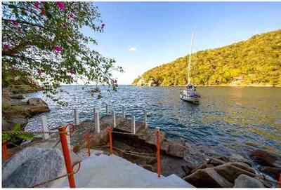 A-22.venta Casa Rosales Frente Al Mar Con Muelle En Boca De Tomatlan