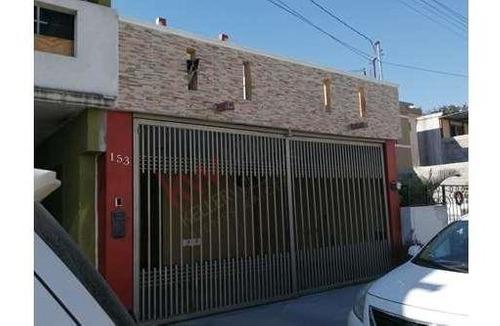 Casa En Guadalupe, Arbledas De Acapulco A 2 Cuadras De Aven Acapulco, 2pl,2 Rec, 1.5 Baños,terraza,cochera Para 2 Autos Techada