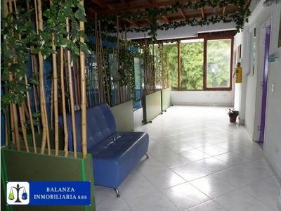 Edificio Comercial A 3 Cuadras De Parque Lleras**