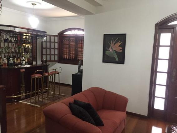 Casa 03 Quartos Suíte 04 Vagas De Garagens Bairro Sagrada Família - 2306