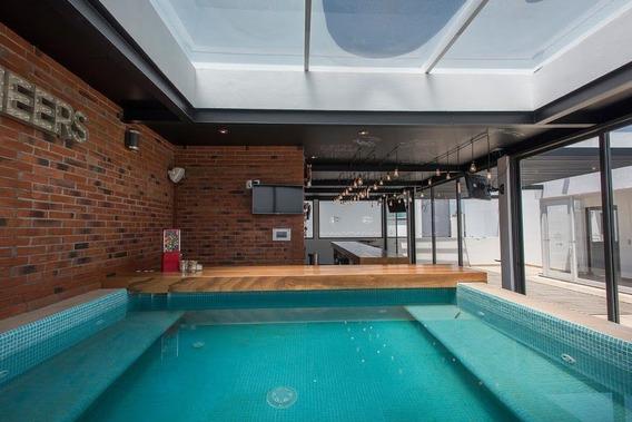 Residencia En Milenio Iii, Garage 4 Autos, Jardín, Bar, Jacu