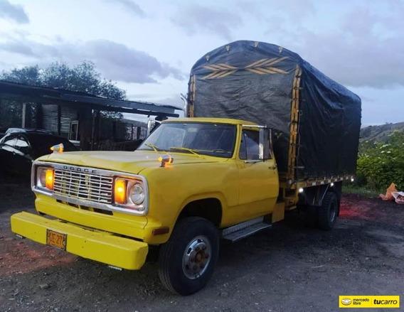Dodge 300 Estacas