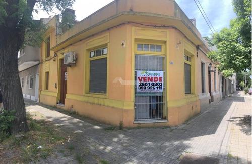 Imagen 1 de 12 de Local Brazo Oriental Venta Carabelas Y Antonio Machado (se Vende Local + Casa)