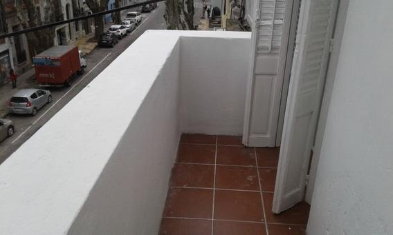 2 Dormitorios, Balcón, Gastos Comunes Bajos.