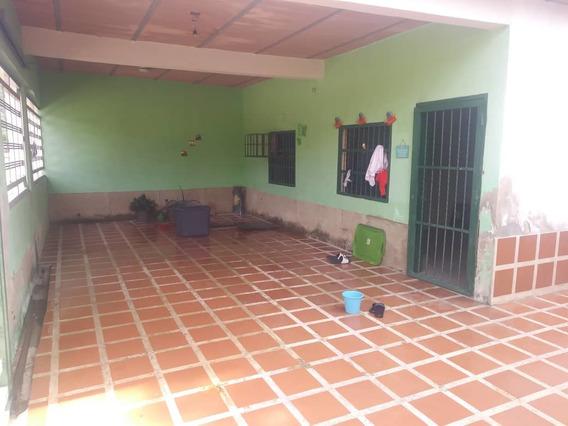 Casa En Venta En Ocumare 04124324965
