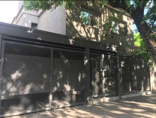 Imagen 1 de 14 de Casa Moderna En Excelentes Condiciones En Castelar Norte