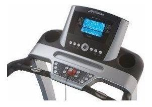 Esteira Life Fitness - Modelo T3, Painel Adv, Remanufaturada