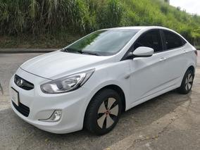 Hyundai Accent I25 Gl 1.4 Mec. Mod. 2012 (194)