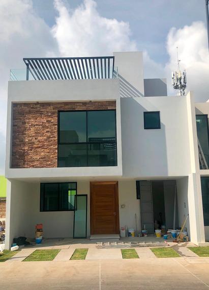 Preciosa Casa Nueva En Venta En Zona Solares
