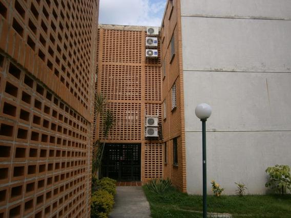 Apartamento En Venta En El Tulipan Valencia 20-4650 Valgo