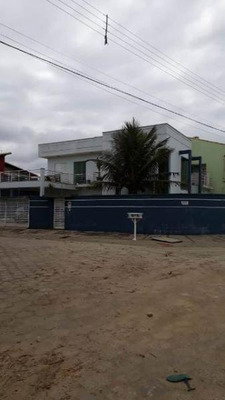 Sobrado De Alto Padrão Na Cidade De Peruíbe!