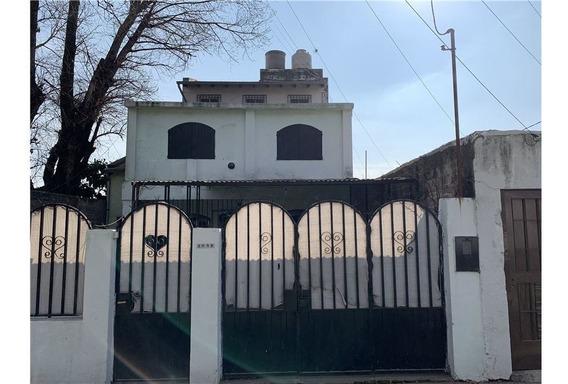 Casa Tres Plantas 6 Dormitorios En Venta Rosario