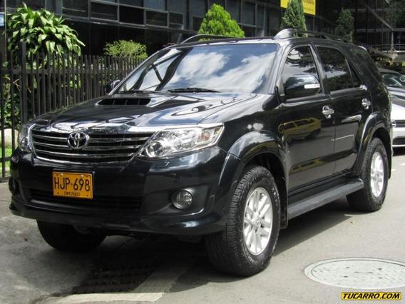 Toyota Fortuner Srv 3000 Cc Td