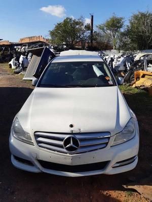 Sucata Mercedes Benz C180 2012 156cvs Gasolina