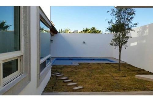 Casa En Venta En Residencial Villas De San Miguel
