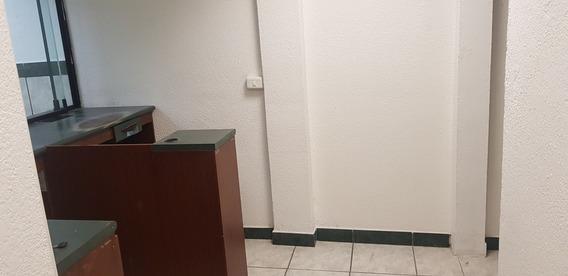 Ex-oficinas Ejecutivas Del Banco Del Pichincha..