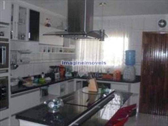 Sobrado Em Itaquera Com 3 Dorms Sendo 1 Suíte, 9 Vagas, 100m² - So0123