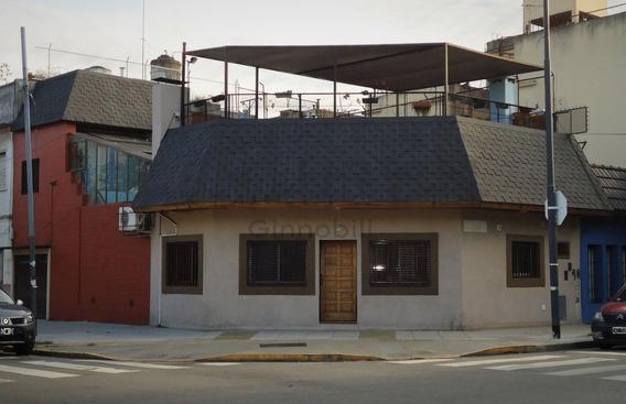 Ph Al Frente En Esquina, 3 Dormitorios, Cochera, Terraza Y Patio. Sin Expensas