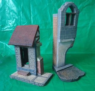 Edificação De Esquina E Vinheta De Prédio Em Ruina 1-35