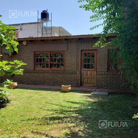 Casa 1 Dormitorio Con Importante Terreno En Venta Sobre Ruta 11 - Granadero Baigorria
