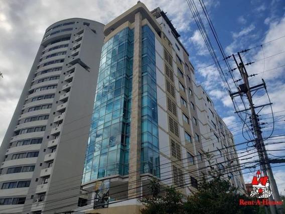 Oficina En Venta La Arboleda Torre Aragica Cod. 20-4876