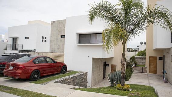Excelente Casa En Venta En El Condominio La Reserva, Cumbres Del Lago, Juriquilla, Querétaro, Qro.