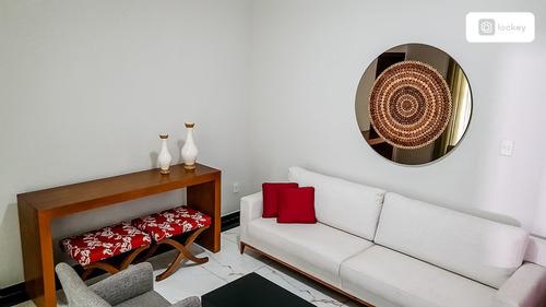 Imagem 1 de 15 de Venda De Casa Com 299m² E 4 Quartos  - 13433