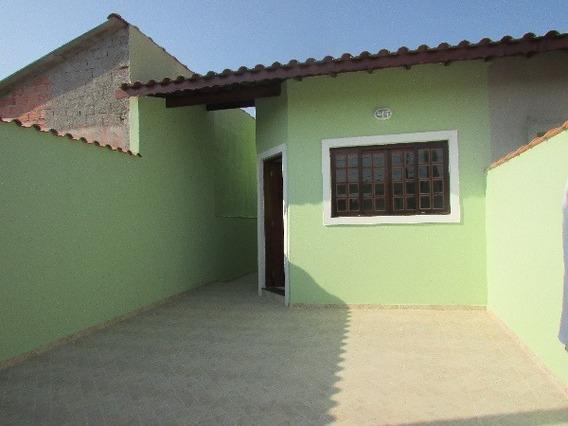 290-casa Á Venda Com 64 M², 2 Dormitórios Sendo 1 Suíte.