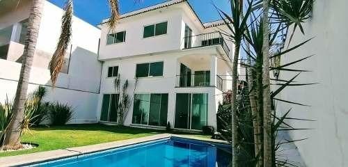 Se Vende Casa Con Alberca En Burgos