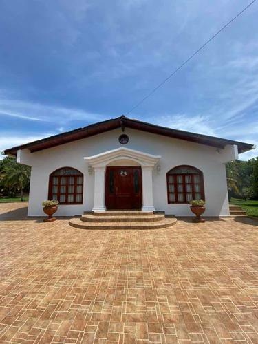 Casa Condominio La Morada Etapa 1.  1600m2 Hermosa