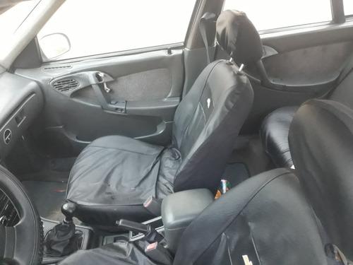 Daewoo Dlx Sedan
