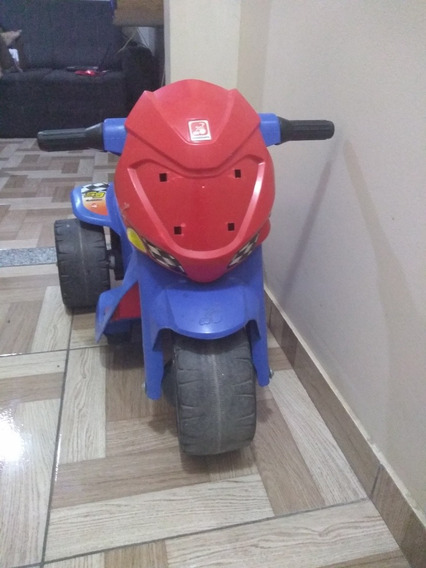 Triciclo Infantil Menino.