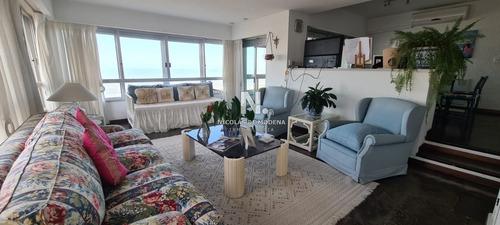 Apartamento En Venta Con Excelente Vista Al Mar, Primera Línea-ref:4481