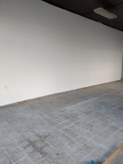 Pando Centro Amplio Local Comercial